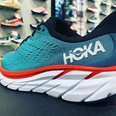 Hoka Clifton 8🏃♂️ La combinación perfecta de suavidad y ligereza!!! #hoka #run #sport #runner