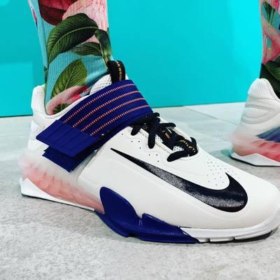 🏋🏽♀️ Nike Savaleos 🏋🏽♀️  Sujetan el pie a una base ancha y plana para mantener la estabilidad y la seguridad cuando te enfrentas a un peso elevado.     #halterofilia #halterofilaespaña  #croosfit